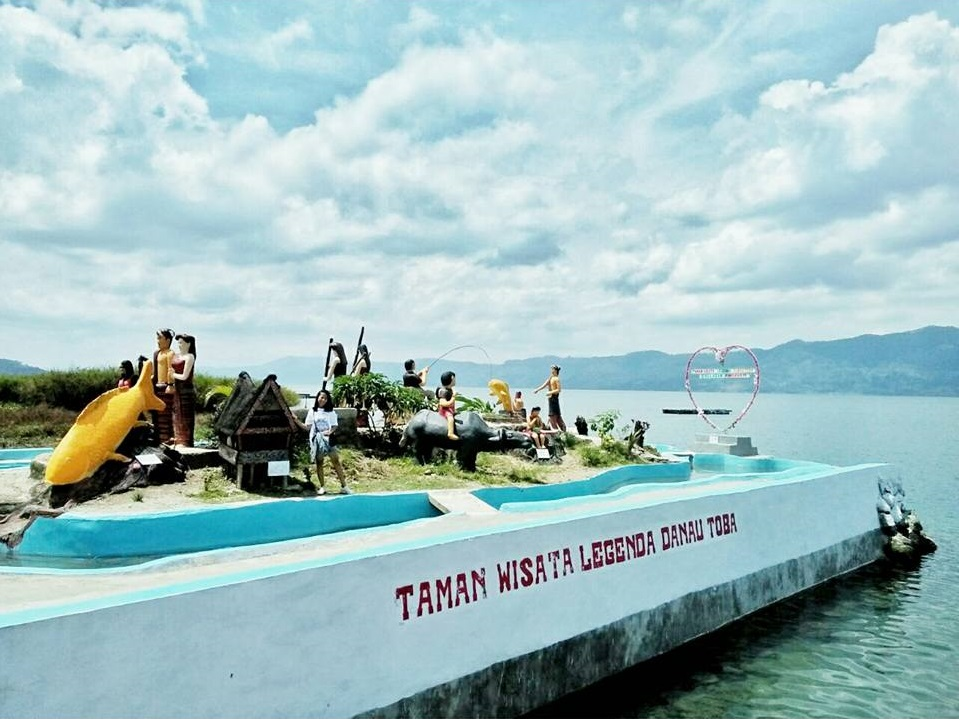 Taman Legenda Danau Toba Huta Siallagan