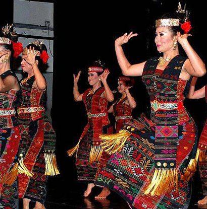 Tarian Tortor Batak Toba Sumatera