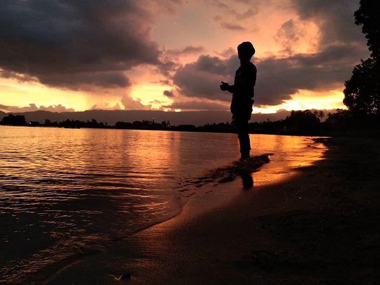 Pantai Sipinggan Samosir