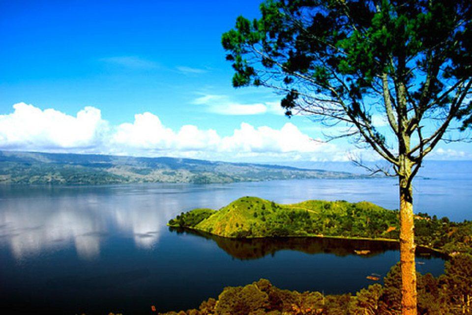Tanjung Unta Simalungun Danau Toba