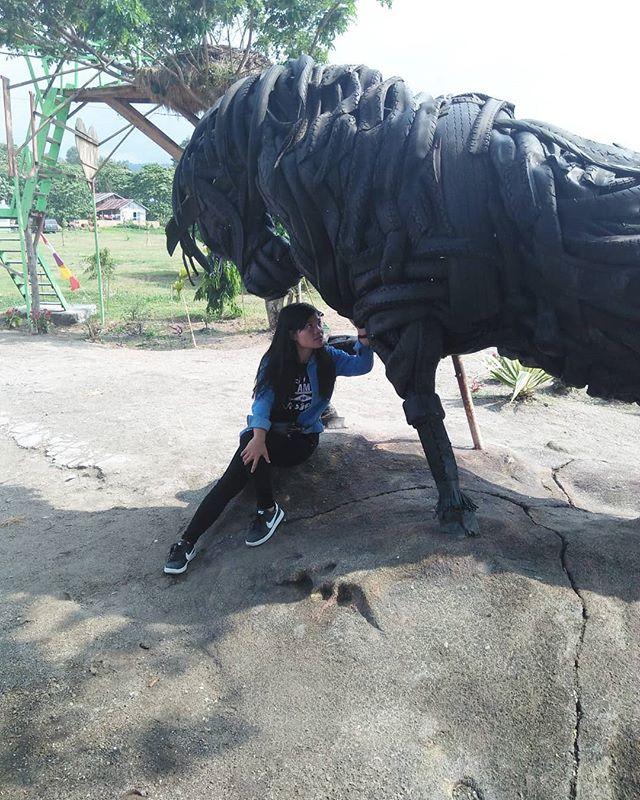 Patung Kuda ( Hoda ) di Pantai Batu Hoda