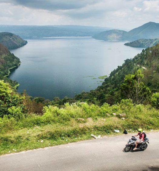 Jalan Lingkar Danau Toba Samosir